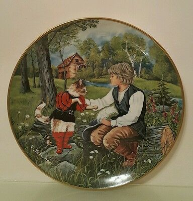 KAISER Germany - PUSS IN BOOTS Wall Plate Collection Decor - Porcelain - 19.5 cm