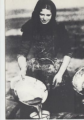 Moray Fisher Girl Circa 1905 Cleaning The Fish / Draining The Blood/unused Pc