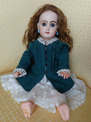 Antique French Depose tete Jumeau doll blue closed mouth paperweight eyes