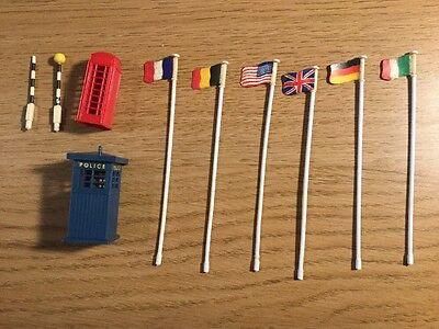 Tri-ang Minic Motorways Police Box , Phone Box , Flags ,  Crossing Accessory
