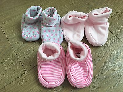 New Set Of 3 Mothercare Booties 0-3 Months.