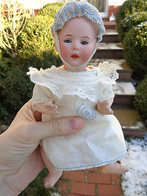 Antike Puppe geschlossener Mund c1910 Original Perücke antique closed mouth doll
