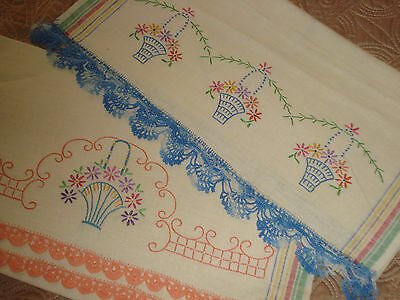 Vtg 2 Display Guest Tea Towels Cotton EMBROIDERED BASKETS Crocheted Lace Trim