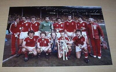 John Robertson - Nottingham Forest Signed 12x8 Photo 1979 League Cup Winners