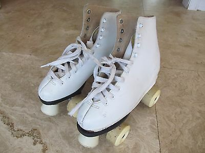 Womens size 7 Roller Skates, leather lined, need reapir