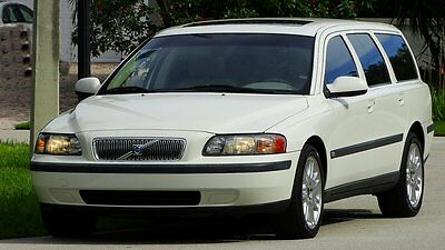 2002 Volvo V70 FACTORY LEATHER  2002 VOLVO V70 2.4T STATION WAGON 26,000 ONE OWNER FLA. MILES LIKE NEW CONDITION