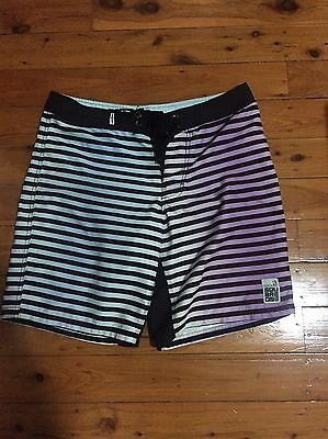 Square One Boardshorts Swimmers 32 Board Shorts
