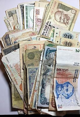 A Selection of World Banknotes (Quantity:85)