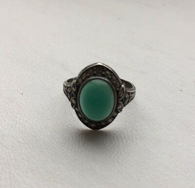 Vintage Uncas Mfg. Co. Sterling Silver Green Chalcedony Ring