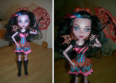 Monster High Doll Freaky Fusion Dracubeca Completa