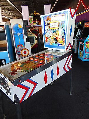 Gottlieb Egg Head Wedge Head Pinball Machine  *** Amazing Restoration ***