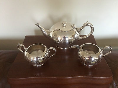 Lovely 3 Piece Silver Plated Tea Service (Walker And Hall) (Ref 0490)