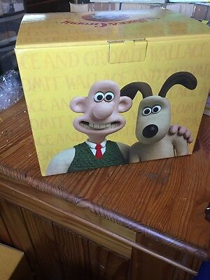 Coalport Wallace and Gromit---To The Rescue --LIMITED EDITION  0465 /2000 --NEW