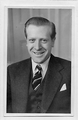 Geoffrey Johnson Smith Autographed Photo - Sussex Mp & Television Presenter
