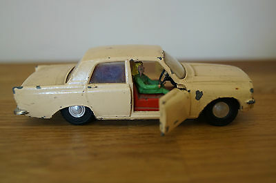 vintage spot on models by triang ford zephyr six 1/42 scale