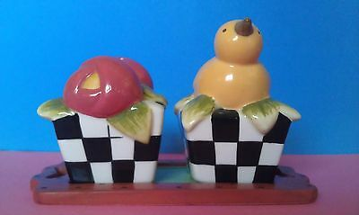 Bird and Flowers Salt and Pepper Shakers Set