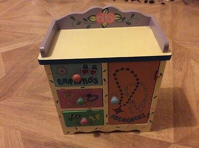 Girls pretty jewellery box