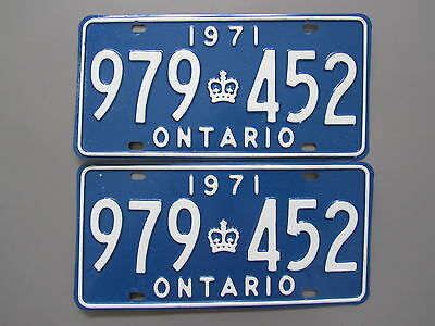 1971 Ontario License / Licence Plates (Pair) - 979452