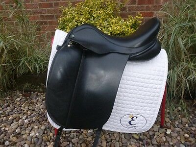 17″ Wide Fit Ideal Suzannah Dressage Saddle – Black. Immaculate Condition.