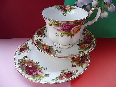 "Vintage Royal Albert ""Old Country Roses""Bone China Tea Set Trio Cup Saucer Plate"
