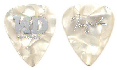 NO DOUBT Guitar Pick : 2001 Rock Steady Tour - Tony Kanal silver signature ND