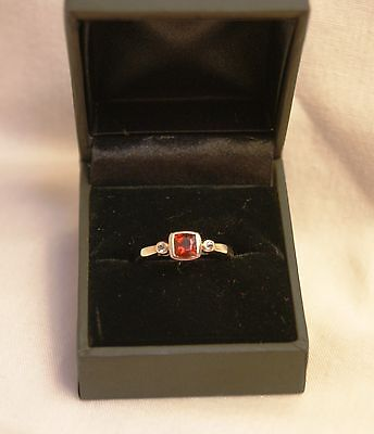 Beautiful Ladies 9Ct Gold Dress Ring With Ruby And Diamond