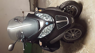 Scooter Piaggio MP3 300 LT année 2011 9098 kms