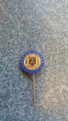LEEDS UNITED - Superb Vintage Enamel Football Stick Pin Badge