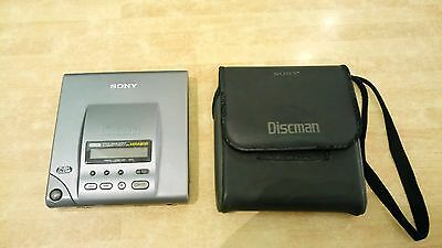 Sony Discman D-303 Audiophile CD Player Mega Bass Optica  CASE WORKS NEED SERVIC