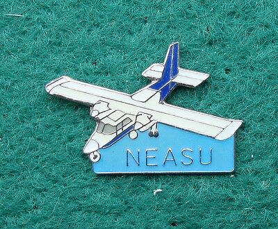 Police NORTH EAST AIR SUPPORT UNIT pin badge ISLANDER AIRCRAFT