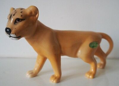 A VINTAGE BESWICK LION CUB No 2098, FACING LEFT. IN EXCELLENT CONDITION £8.99