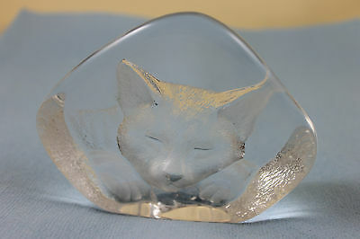 One Mats Jonasson Sweden crystal cat paperweight ornament signed