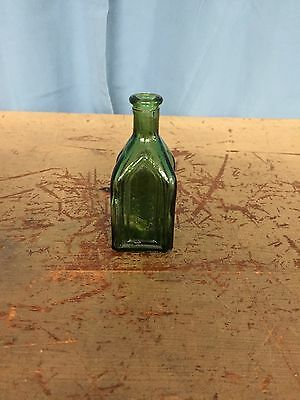 Vintage / Antique Wheaton NJ Chief Wahoo Electric Tonic Cathedral Bottle Green