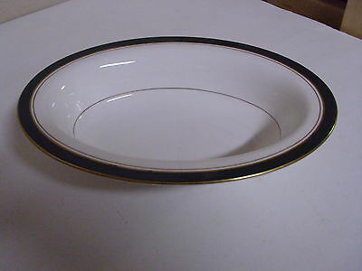 Royal Worcester Howard Green Pattern Serving Bowl 10 1/2 X 7 3/4 Inches