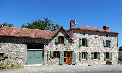 Beautifully modernised 3/4 bedroom detached stone house and converted barn.