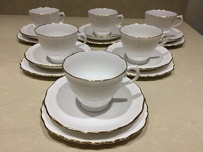 Colclough White with Gold Flower Shaped Rim Bone China 18 Piece Tea Set Exc Cond