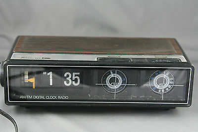 Vintage Flip Clock Radio Alarm AM/FM Transonic Working