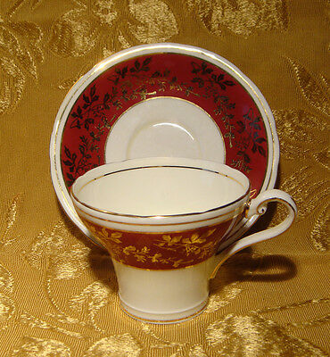 Aynsley Tea Cup & Saucer Corset Maroon & Gold Pattern