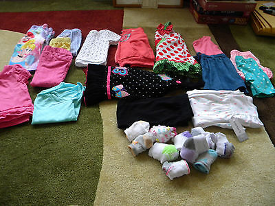 Mixed lot of Baby Girl CLOTHES-Size 18M