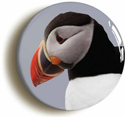 PUFFIN BIRD WATCHING BADGE BUTTON PIN (Size is 1inch/25mm diameter)