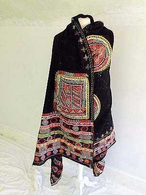 Beautiful Fine Vintage Wool Embroidered Mirror Work Rabari Shawl Wrap Throw
