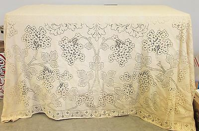 Vintage Ecru tablecloth / bedspread or coverlet thick leaves & floral pattern