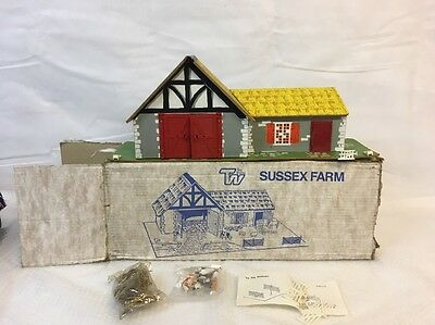 Toy Works Farm Steading  Boxed Britains Scale 1:32
