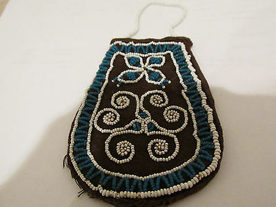 S38 vintage native american Indian Iroquois beaded bag coin change purse blues