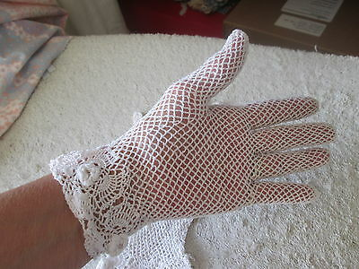Vintage Crochet White Irish Rose & Net Small Ladies Or Child's Gloves