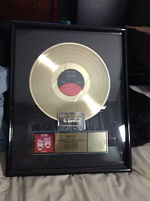 ***** MÖTLEY CRÜE ****GOLD RIAA AWARD FOR 500,000****** records and tapes SOLD