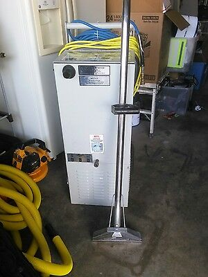 SCOOTER HUSKY CARPET CLEANING MACHINE w/hoses & wand