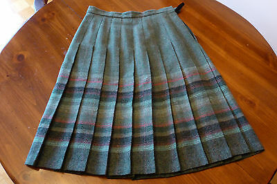 Vintage Pleated Green Blend Lined 'New Wool' Skirt, Made in Great Britain