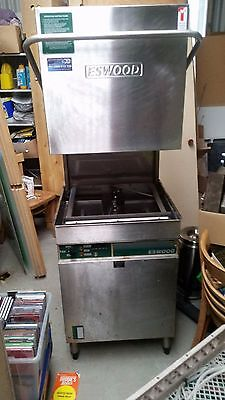 Eswood Industrial Passthru Dishwasher Including Side Tables