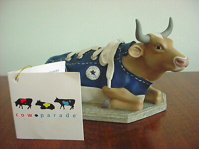 COW PARADE Collection Figurine MOOSHOE 2000 Retired #9125 With TAG Shoe Sneaker